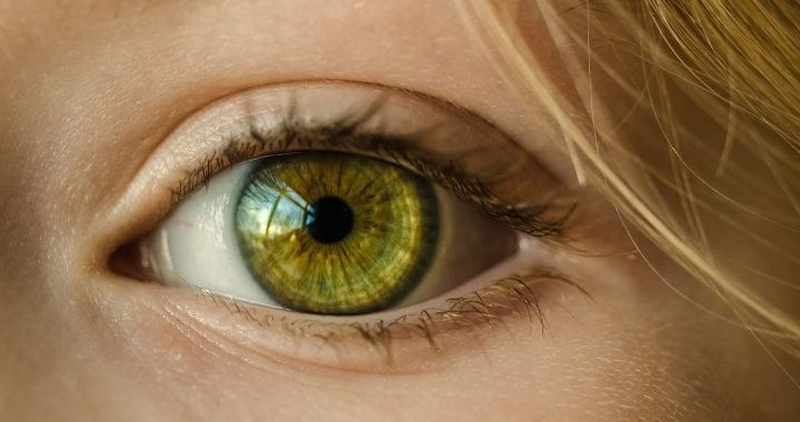 Adhesive gel bonds to eye surface, could repair injuries without surgery