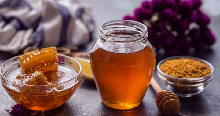 In the morning, a glass of honey water promotes weight loss and helps against many diseases