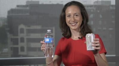 Children and teens who drink low-calorie sweetened beverages do not save calories