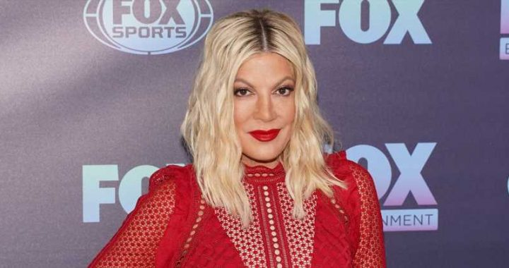 See Tori Spelling's 'BH90210' Family: 'Proud Set Mom'
