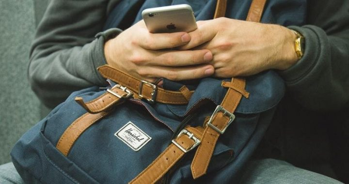 Problematic smartphone use linked to poorer grades, alcohol misuse and more sexual partners