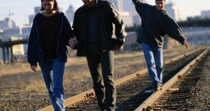 Train tracks deadly for kids, but many parents underestimate the danger