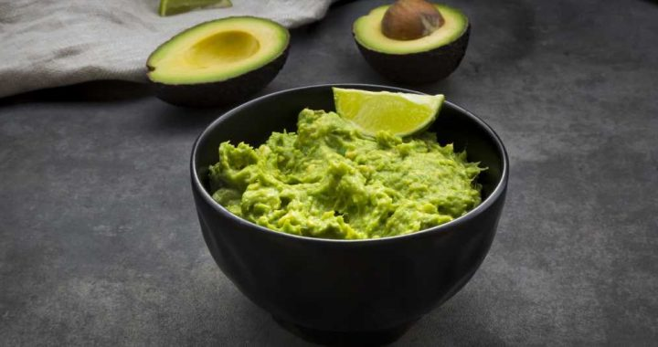 Guacamole With Bacon Chips Is The Keto Snack You Need In Your Life