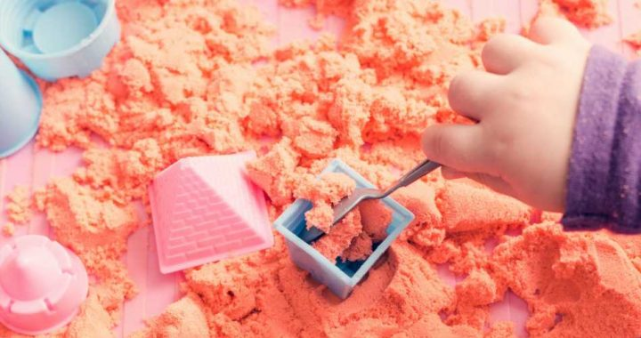 The Best Kinetic Sand For Beach Days Indoors