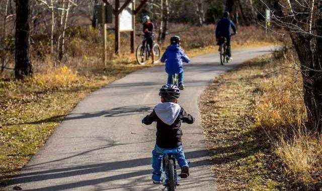 Youth-inspired program increases bike helmet use by urban children