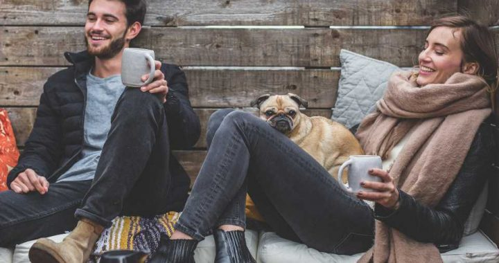 Too much tech use can cut into couple time, study shows