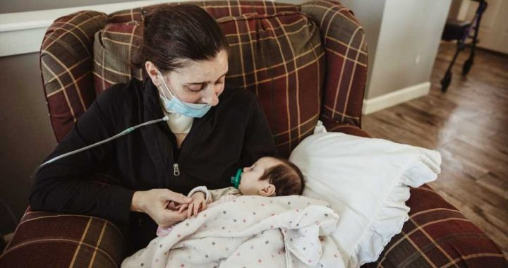 Mom Who Gave Birth in a Coma While Battling COVID Finally Meets Her 3-Month-Old Daughter