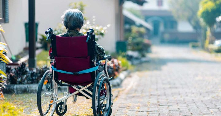 Women accumulate Alzheimer's-related protein faster