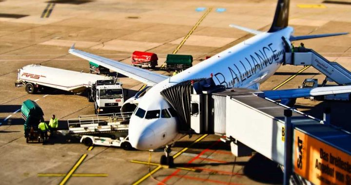 US health officials alarmed by rise in air travel