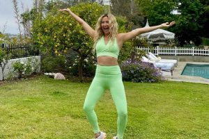 I Tried The Crazy-Looking Device Kate Hudson Uses to Tone Her Entire Body